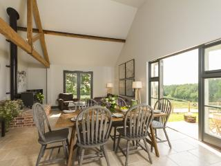 Chisel Barn Whites Ground located in Blandford Forum, Dorset - Child Okeford vacation rentals