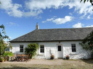 Perfect 2 bedroom Inveraray Cottage with Internet Access - Inveraray vacation rentals