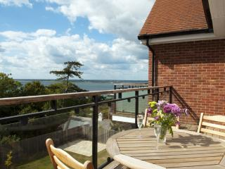 Heatherwood Lodge located in Totland Bay, Isle Of Wight - Freshwater vacation rentals