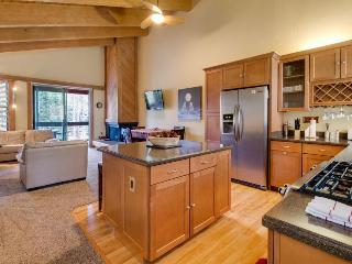 Cozy mountain home with shared pool, hot tub, & free bus to slopes! - Truckee vacation rentals