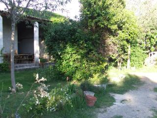 maison t3 1183 en campagne avec piscine - Manosque vacation rentals