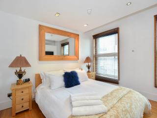 Piccadilly Apartment, Manhattan with Unbeatable View - London vacation rentals