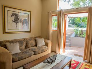1 bedroom Cottage with Internet Access in Johannesburg - Johannesburg vacation rentals