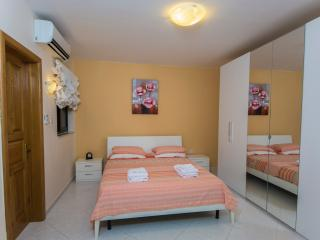 Comfortable Apartment in Saint Paul's Bay with A/C, sleeps 6 - Saint Paul's Bay vacation rentals