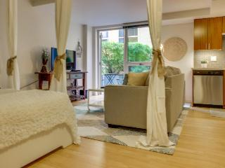 Romantic & airy studio-style unit w/ shared rooftop deck! - Seattle vacation rentals