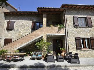 Comfortable 1 bedroom House in Ramazzano with Deck - Ramazzano vacation rentals