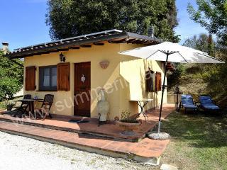 Charming 1 bedroom Ramazzano House with Deck - Ramazzano vacation rentals