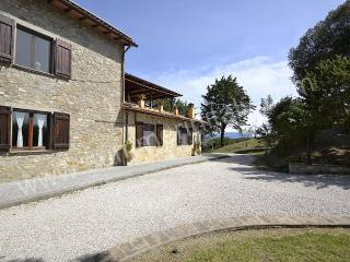 Charming House with Deck and Internet Access - Ramazzano vacation rentals