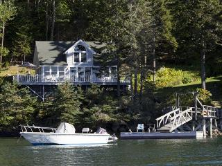 COVESIDE ON LINEKIN BAY | CONTEMPORARY COTTAGE AT THE EDGE OF LINEKIN BAY | COUPLES RETREAT | - Boothbay vacation rentals