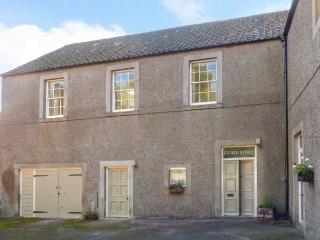 THE ESTATE OFFICE, peaceful location, woodburner, en-suite, walks from the - Belford vacation rentals