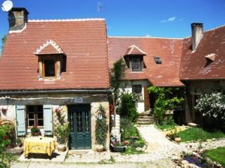 Les Gites Fleuris - Wisteria House - with pool - Hautefort vacation rentals