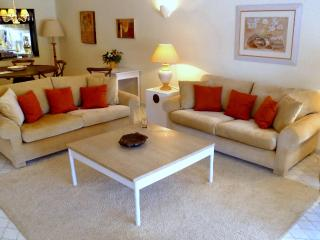 Beautiful Villa with Internet Access and A/C - Vale do Lobo vacation rentals
