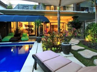 Tunjung Villa, 2 Bedroom Villa, Oasis in Legian/ Kuta - Legian vacation rentals