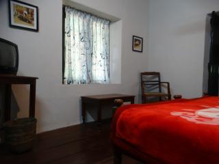 Chai Munnar Plantation Cottage for small groups - Munnar vacation rentals