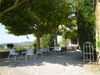Cosy double room in a B&B in the heart of Drôme - Le Pegue vacation rentals
