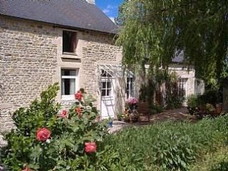 Traditional Stone Cottage in Beautiful Normandy - Bayeux vacation rentals