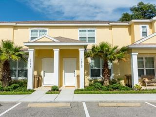 3 BED/3BATH, SERENITY DREAM  HOME, 10 miles from Disney - MODERN, BALCONY,SPLASH POOL,NEW TOWNHOME - Four Corners vacation rentals