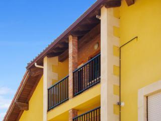 Bright penthouse apartment near the Cantabrian coast with sea views - walk to Playa de Comillas! - Ruiloba vacation rentals