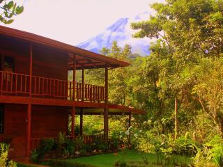 Almendro House & Cabin in front of Arenal Volcano - La Fortuna de San Carlos vacation rentals