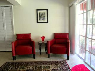 Luxurious Villa Tunis Two-bedroom Apartment - Fort Lauderdale vacation rentals