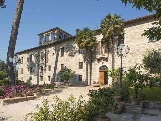 9 bedroom Villa with Internet Access in San Severino Marche - San Severino Marche vacation rentals