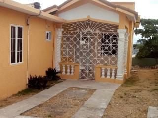 2 bedroom Villa with Internet Access in Portmore - Portmore vacation rentals