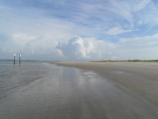 TYBEE ISLAND - Beachfront Affordable WIFI - Tybee Island vacation rentals