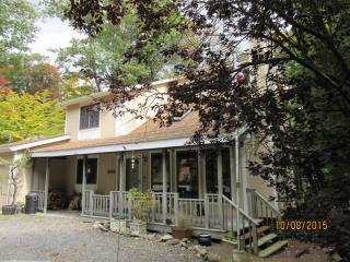 Enjoy the beautiful fall colors in the Poconos!! - Mount Pocono vacation rentals