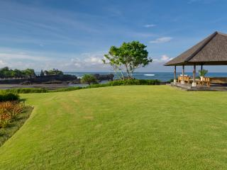 Perfect Villa with DVD Player and Microwave - Tanah Lot vacation rentals