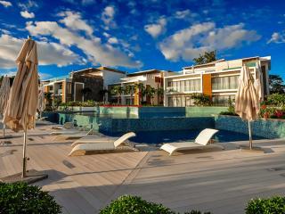 HCO2 Flic-en-Flac Luxury beach resort - Flic En Flac vacation rentals