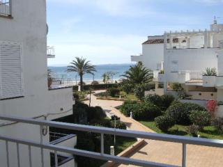 Nice Condo with Balcony and Water Views - Roses vacation rentals