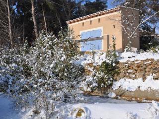 Maison d'Hôtes La Masure: Le Pigeonnier - Gemenos vacation rentals