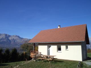 Gorgeous House with Dishwasher and Satellite Or Cable TV - Saint-Bonnet en Champsaur vacation rentals