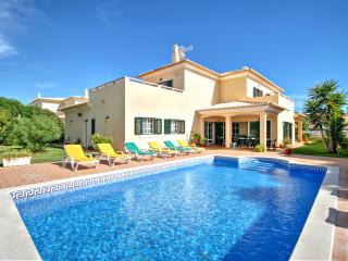 V5 Golf - 5 bed villa w/ pool - Albufeira vacation rentals