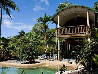 Nice House with Washing Machine and Television - Daintree vacation rentals
