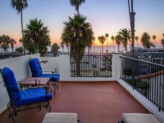 20% OFF TO SEPT 5 - Steps to La Jolla Shores Beach - Oceanview rooftop deck! - La Jolla vacation rentals