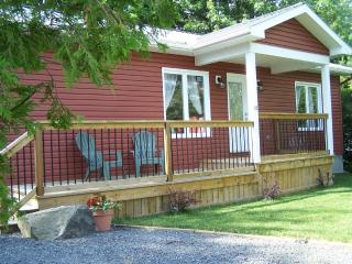 Nice House with Internet Access and Dishwasher - Morrisburg vacation rentals