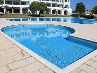 Oura Estrela T1 - Albufeira vacation rentals