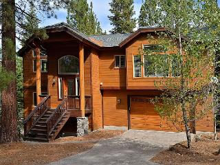 Spacious, Forest-View Retreat in South Lake Tahoe - Sleeps 10 - South Lake Tahoe vacation rentals