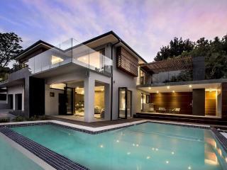 Modern Entertainers Home, Constantia Winelands - Constantia vacation rentals