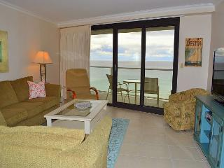 *Winter 2015-2016 OPEN!* Cozy, Beachfront Condo ~ Relax in luxurious style! - Miramar Beach vacation rentals