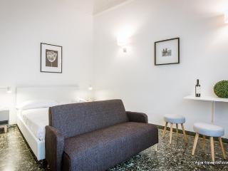 Cozy Condo with Internet Access and A/C - Florence vacation rentals