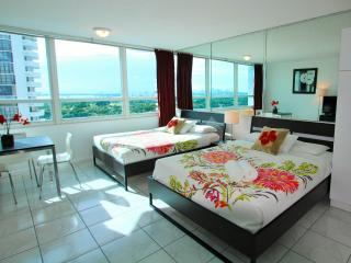 1 bedroom Apartment with Short Breaks Allowed in Miami Beach - Miami Beach vacation rentals