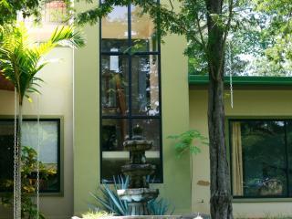Casa Alice Surf Lodge rooms for rent - Marbella vacation rentals
