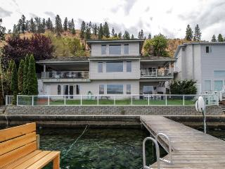 Lakefront home w/ private dock, hot tub - minutes from downtown Chelan - Chelan vacation rentals
