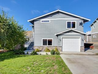 Wonderful 3-bedroom home in Sun Cove w/shared pool! - Orondo vacation rentals
