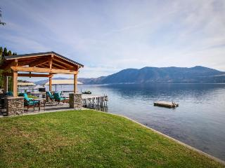Stylish lakefront home w/private hot tub, gazebo & boat dock - Manson vacation rentals