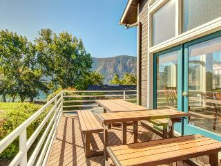 Spacious, modern lakefront home w/ private hot tub, shared pool & more! - Manson vacation rentals