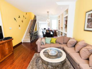5 bedrooms  Luxury Townhouse in heart of Downtown - Toronto vacation rentals