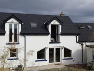 Nice 5 bedroom House in Falcarragh with Dishwasher - Falcarragh vacation rentals